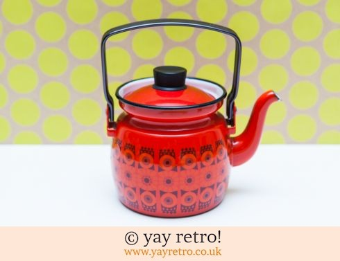 104: Arabia Red Enamel Daisy Teapot/Kettle (£59.00)