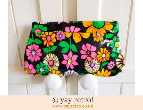 0: Vintage Flower Power Makeup Bag (£10.00)
