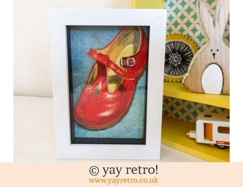 286: Red Shoe 1960s Framed Picture (£8.50)