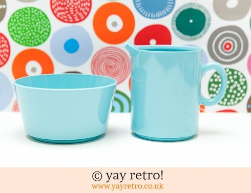 576: Gaydon Encore Jug & Sugar Bowl Blue (£13.00)