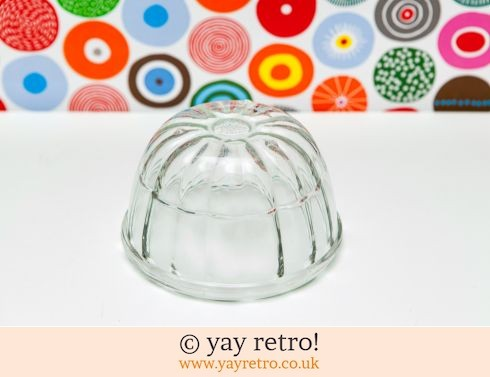 12: Pretty Pyrex Jelly Mould (£5.50)