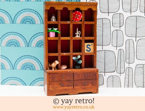 Miniature Collectors Welsh Dresser + Free Thimbles! (£12.00)