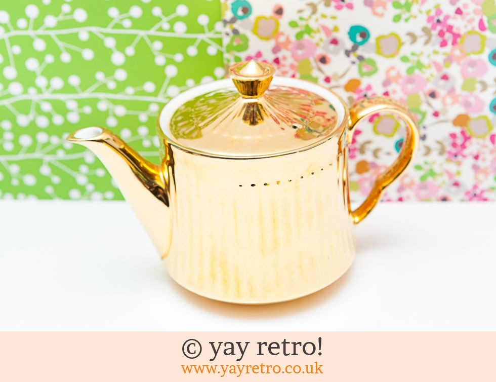 Royal Worcester: Gold Lustre Royal Worcester Teapot (£12.00)