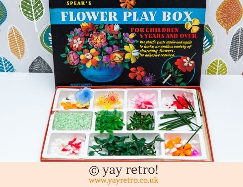 232: Spears Flower Play Box 1960s (£19.00)