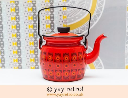 312: Arabia Finel Red Enamel teapot (£60.00)