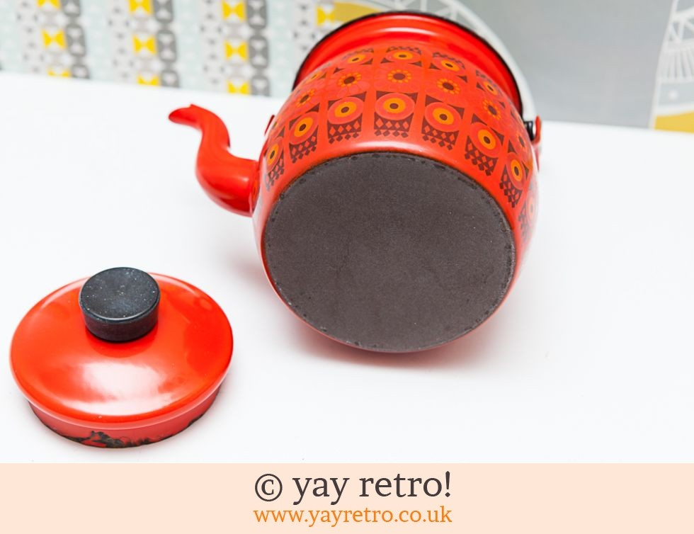Arabia Finel Red Enamel teapot (£60.00)