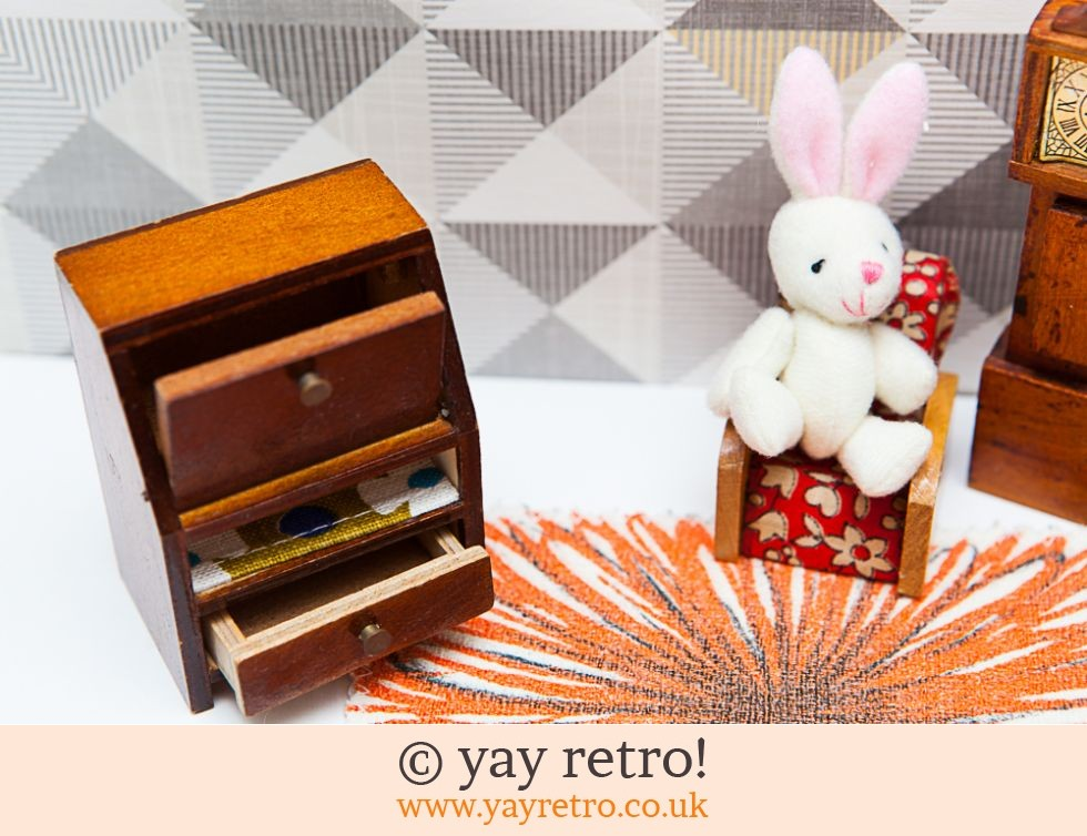 Vintage Dolls House Antique Furniture - 1930s style Lounge (£11.50)