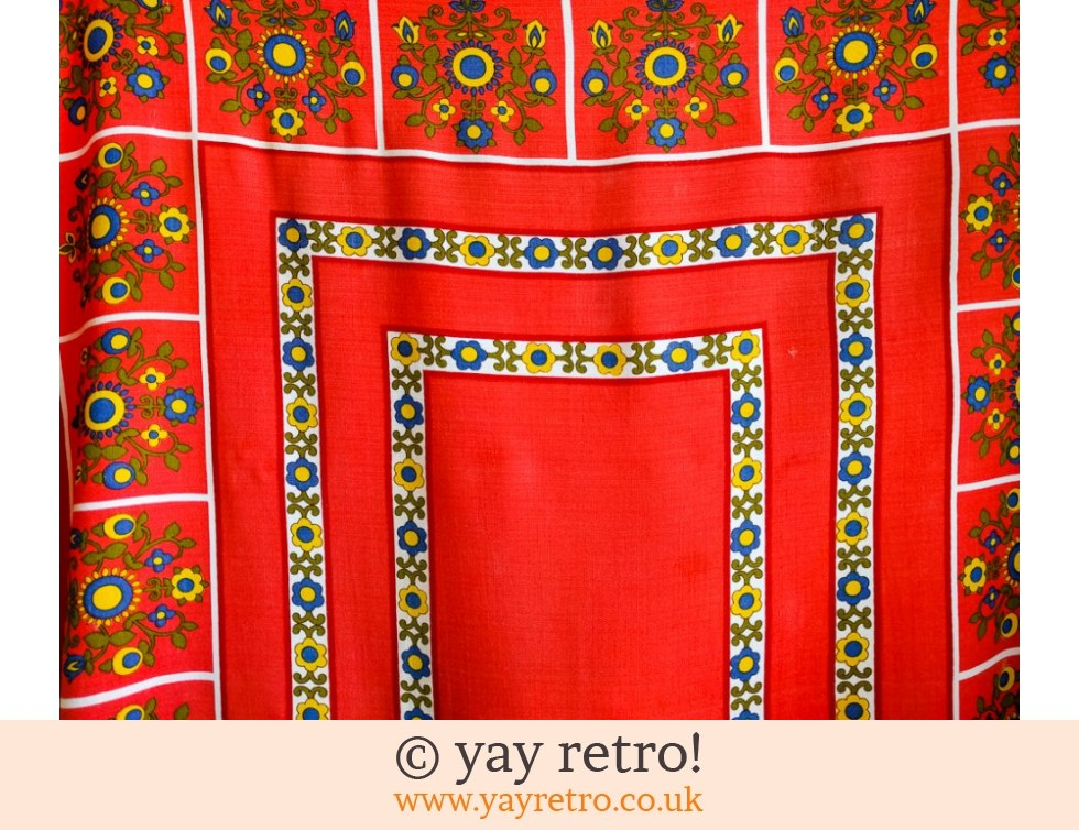 Bright Red Vintage Daisy Tablecloth 60/70s (£14.75)