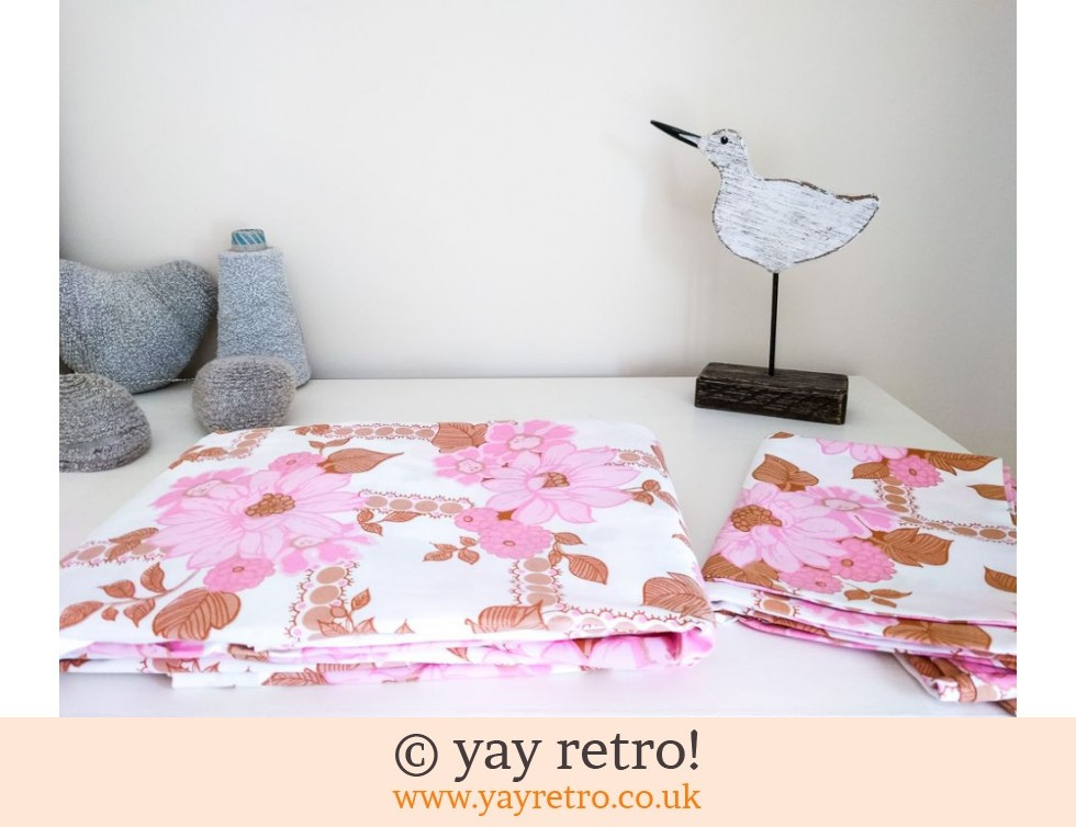 As New Vintage Flowery Double Sheet & Pillowcases (£17.50)