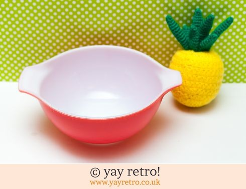 12: Red Pyrex Cinderella Mixing Bowl (£12.00)