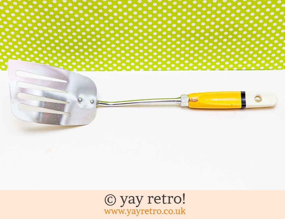 Skyline: Vintage Skyline Yellow Fish Slice (£6.00)
