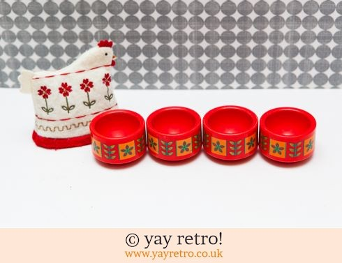 362: Emsa Red Egg Cups x 4 + Free Chicken (£10.95)
