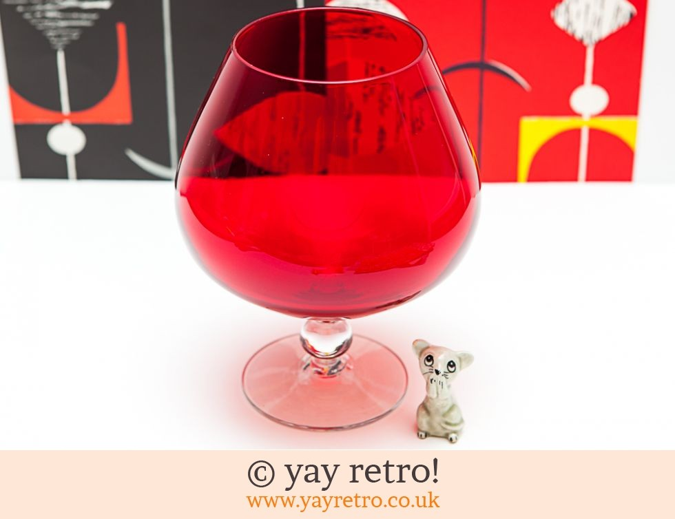 Red Vintage Brandy Glass Vase & Mouse (£17.50)