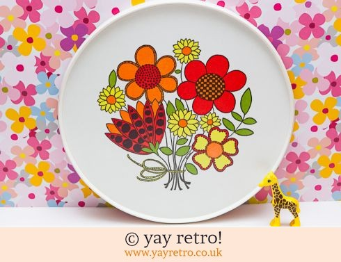 55: Superb Flower Power 1970s Tray (£22.00)