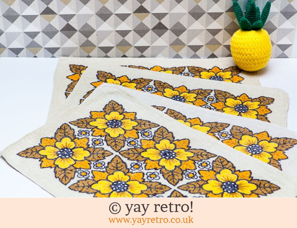 4 Vintage Fabric Flower Power Table Mats (£10.00)
