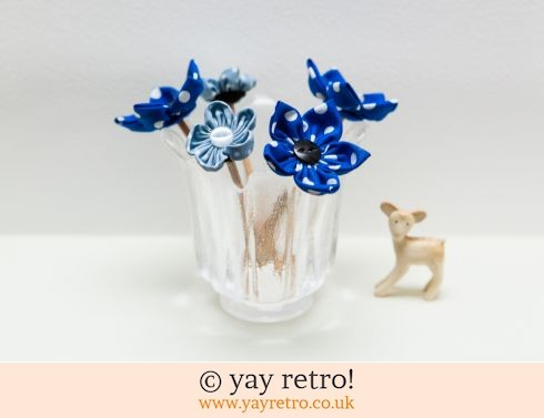 Fabric Flowers & Dartington Glass (£17.00)
