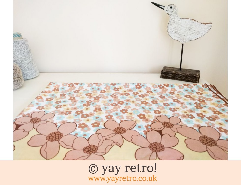 1960/70s Daisy Double Sheet (£22.00)
