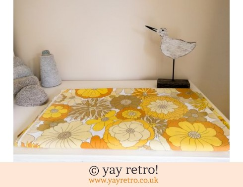248: Vintage Yellow Flowery Double Sheet 60/70s (£20.00)