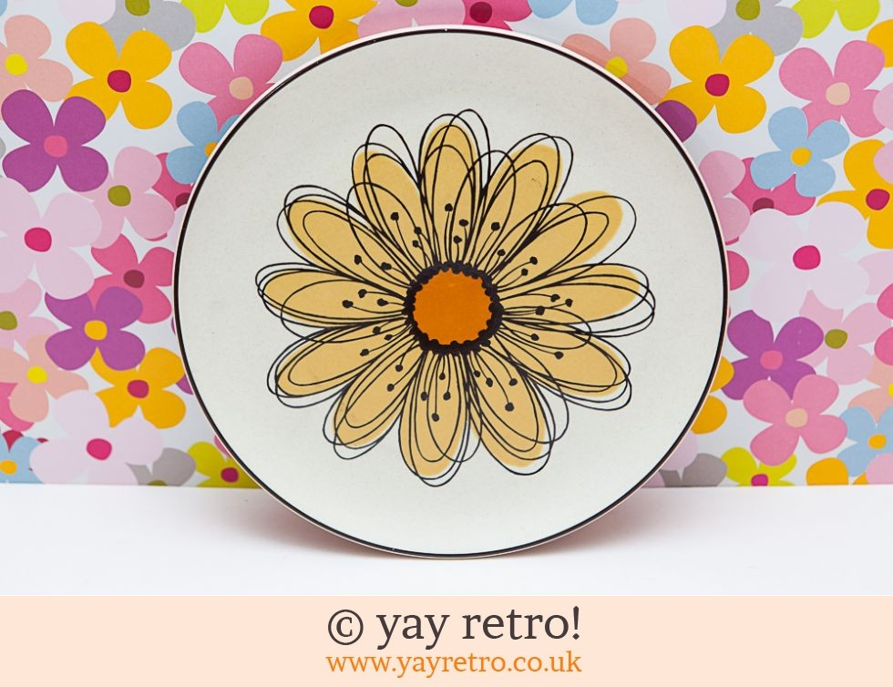 Flowersong Small Dinner / Salad Plate (£10.00)