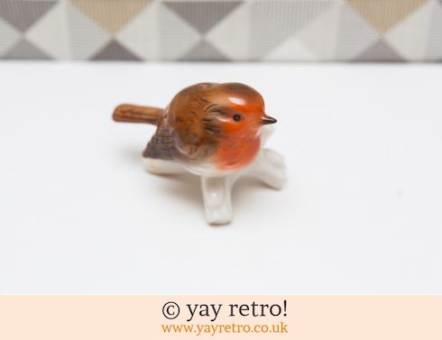 321: Stunning Fine China Robin 1976 (£12.75)