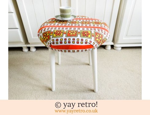 453: Flower Power Vintage Stool / Kitsch Side Table (£24.00)