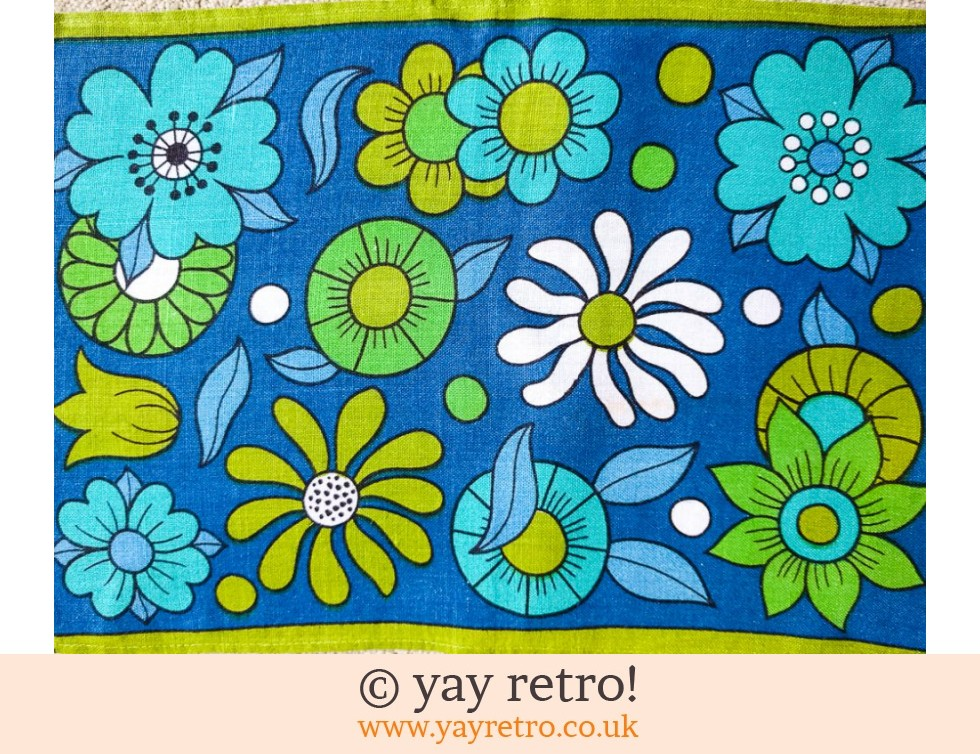 1960s Linen Daisy Table Mats Blue (£15.00)