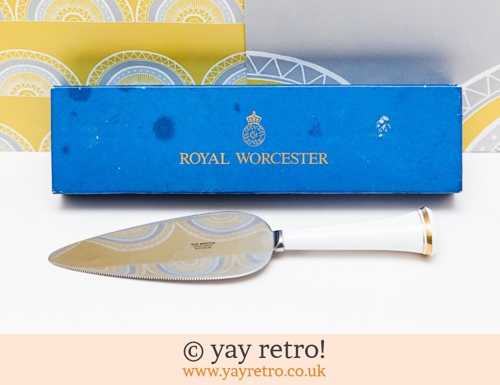 Royal Worcester Cake Server (£8.50)