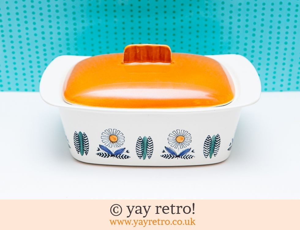 Egersund Norway: Egersund Norway Orange Daisy Ovenware Dish (£26.50)