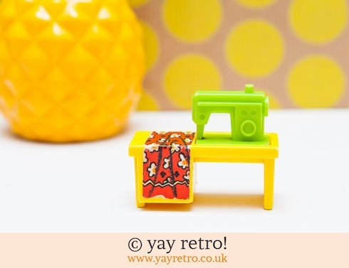 535: Vintage Fisher Price Sewing Machine (£12.75)