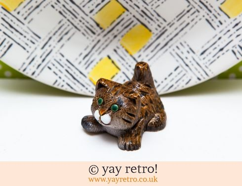 0: Kitsch Cat Ornament (£5.00)