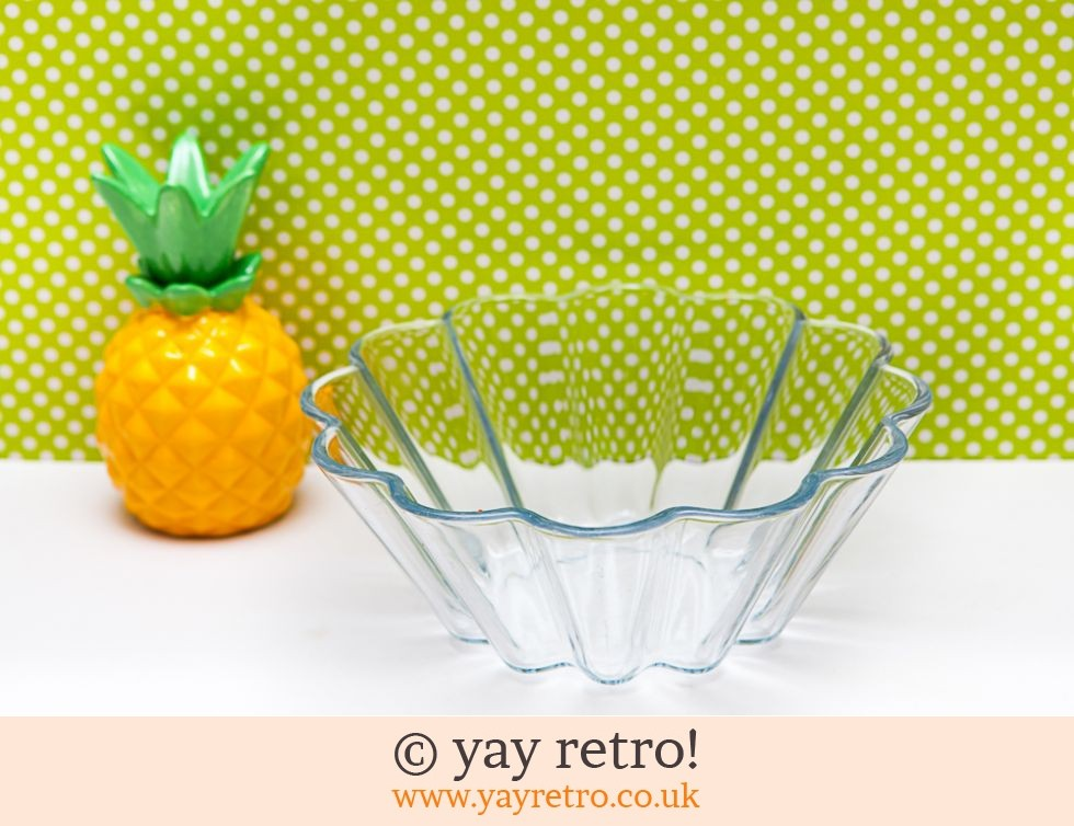 Pyrex Fluted Dish (£4.00)