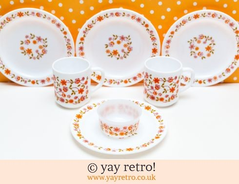 168: Ditsy Vintage Coffee Time Set (£12.00)