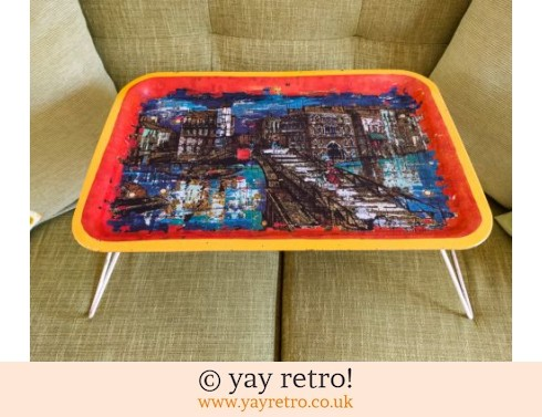 102: 1950/60s Folding Metal Tray Table (£20.00)