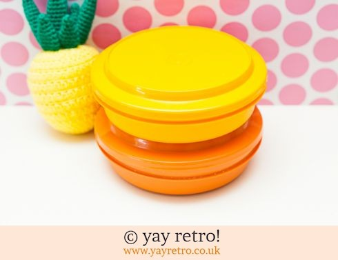 46: Lidded Tupperware Dishes x 2 (£12.50)