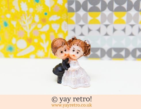 Vintage Wedding Couple Kitsch (£3.00)