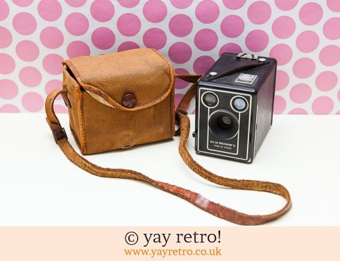 0: Kodak Brownie Six -20 D Vintage Camera & Bag (£14.75)