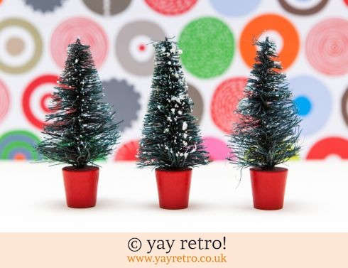 0: 3 Bottle Brush Vintage Snowy Trees (£11.00)