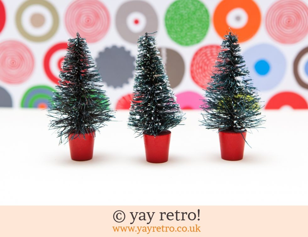 3 Bottle Brush Vintage Snowy Trees (£17.00)