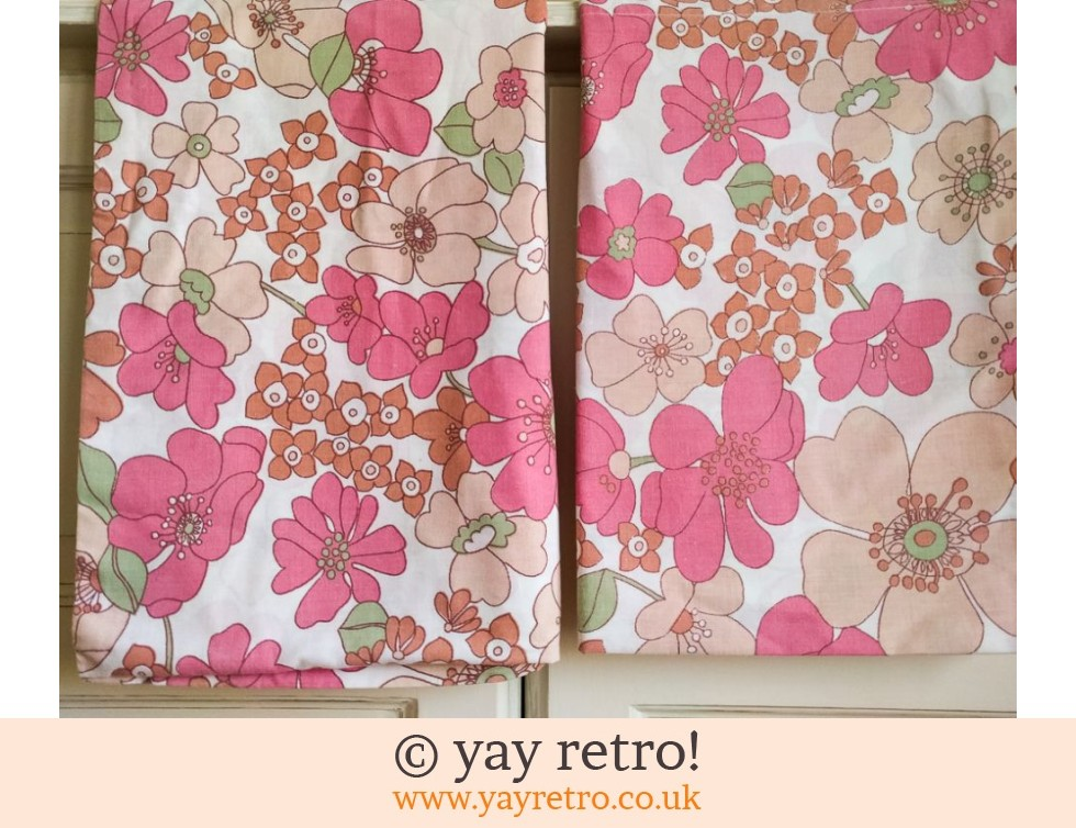 Flower Power Pillowcases x 2 (£7.50)