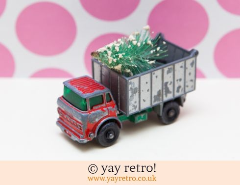 632: Dinky Toys Xmas Tree Tipper Truck (£8.00)