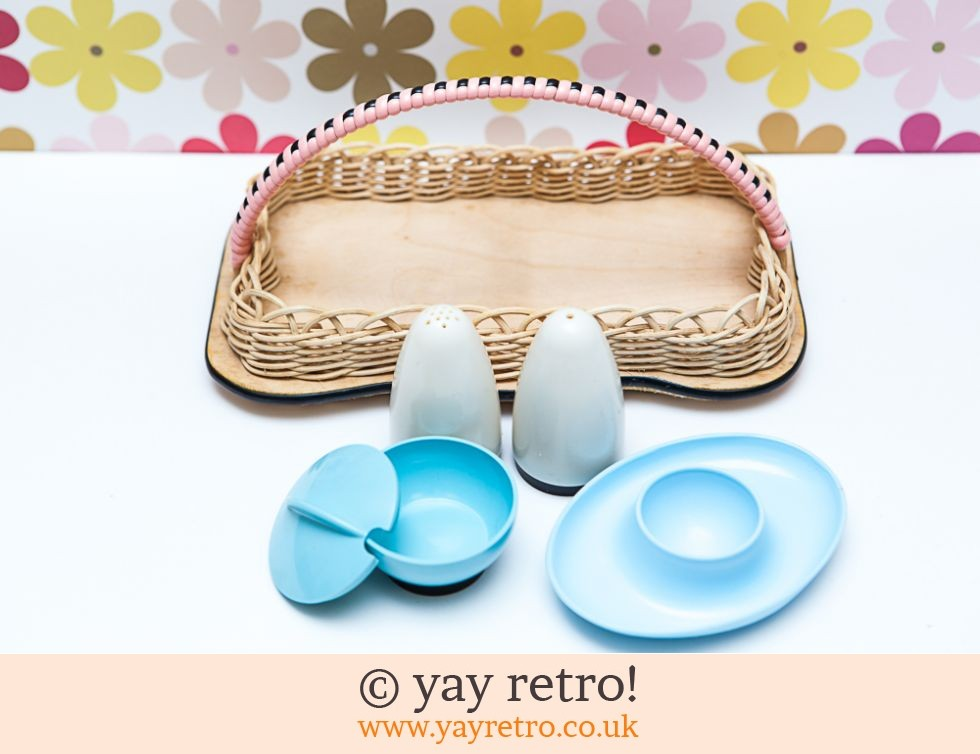 Beetleware 1950s Breakfast Set (£19.95)