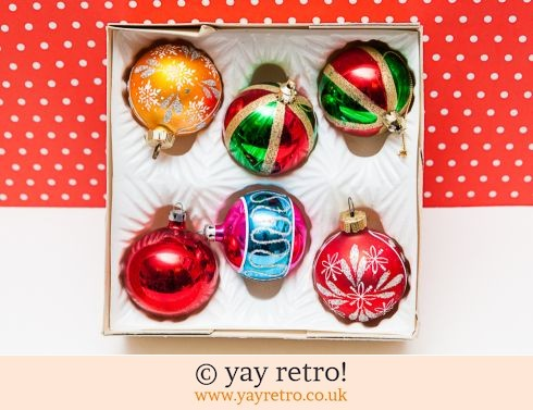 0: Set of Vintage Glass Xmas Baubles (£14.70)