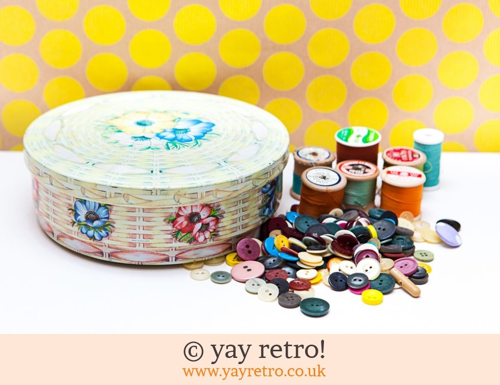 Huntley & Palmer: Vintage Tin Cotton & Buttons (£4.50)
