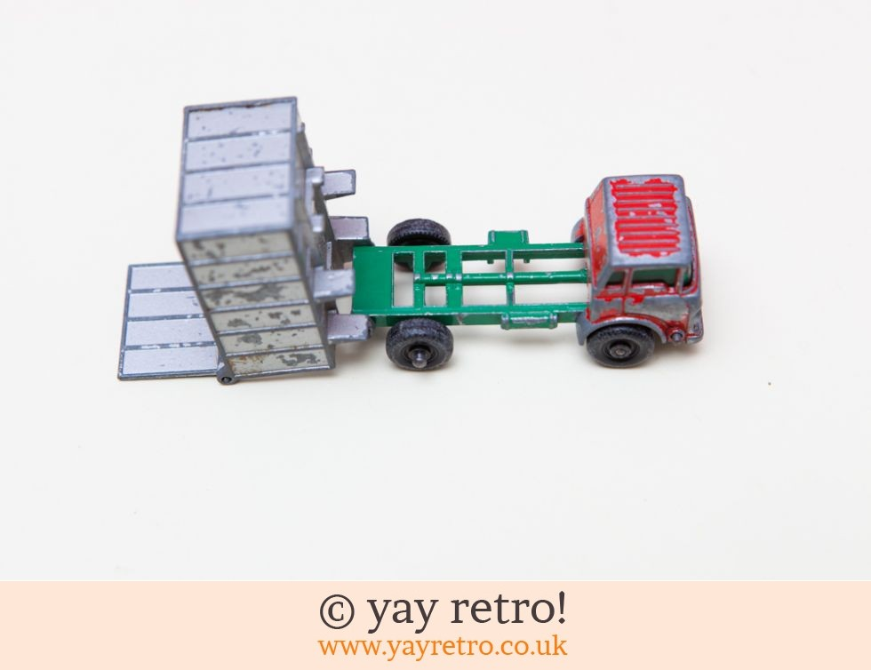 Dinky Toys Xmas Tree Tipper Truck (£9.00)