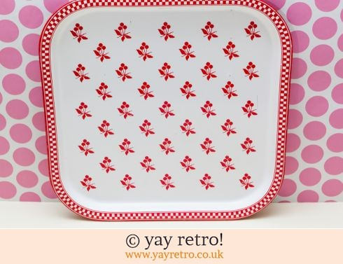 0: Red 1980s Metal Tray (£5.00)