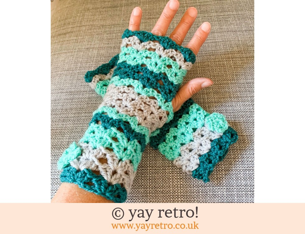 yay retro!: Special Order Crochet Wrist Warmers (£12.50)
