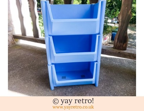19: Sky Blue Vintage Vegetable Rack (£36.00)