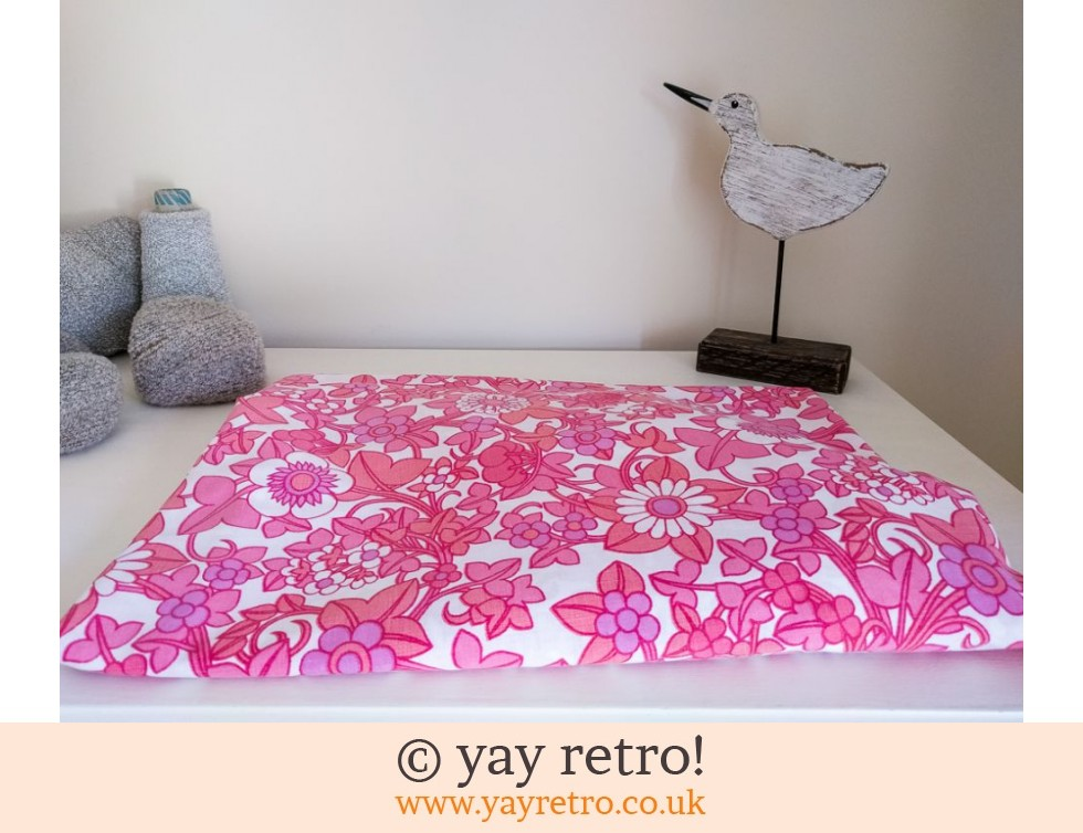 Single Pink Fitted Flowery Sheet (£10.50)