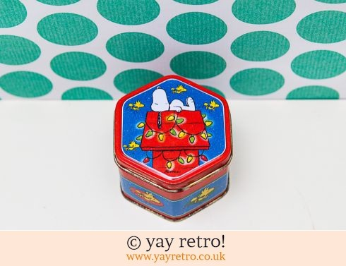 0: Vintage Snoopy Christmas Tin (£8.75)