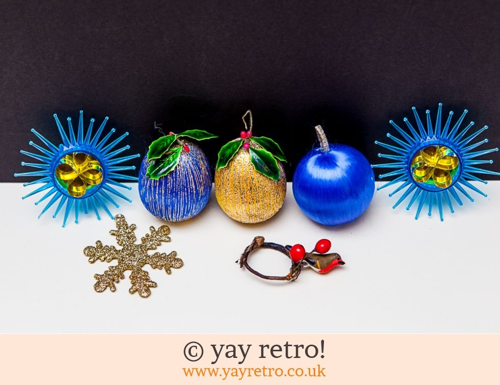 Vintage Christmas Decorations Panaura Stars & Holly Baubles (£16.50)